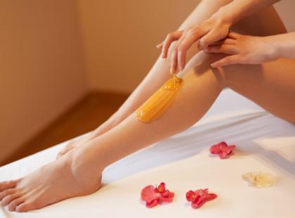 Depilacja pastą cukrową - idealnie gładka skóra bez podrażnień