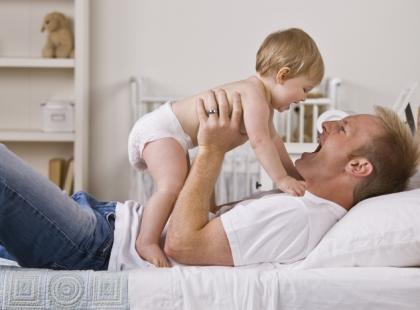 Depresja poporodowa... ojców. Jak ją rozpoznać?