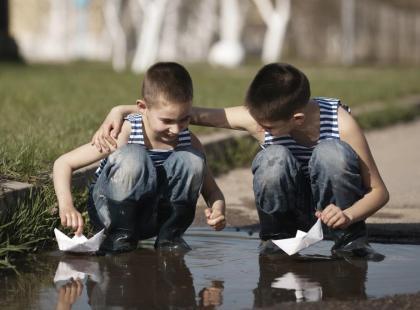 Deszczowa majówka - 3 zabawy dla dzieci na świeżym powietrzu