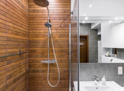 prysznice dla nastolatków darmowy pasek lesbijek