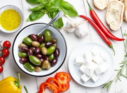 Dieta śródziemnomorska wcale nie jest trudna! Poznaj 8 najważniejszych zasad komponowania jadłospisów
