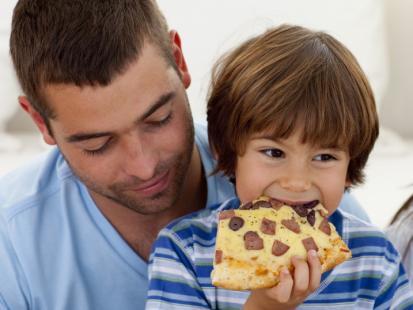 Dlaczego dzieci nie powinny jeść fast foodów