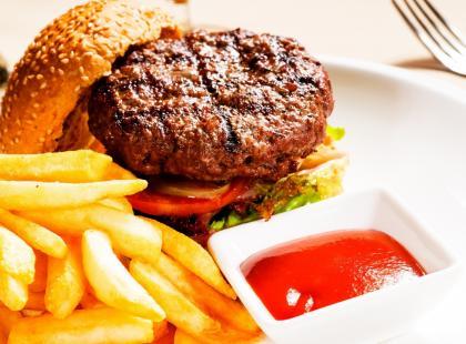 Dlaczego fast foody są niezdrowe? [video]