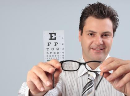 Dlaczego należy kupować okulary tylko u optyka?