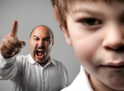 Opanowanie złości na dziecko jest bardzo ważne! W złości możemy je skrzywdzić!