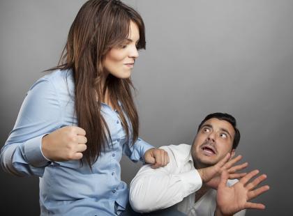 Dlaczego niektóre kobiety maltretują mężczyzn?
