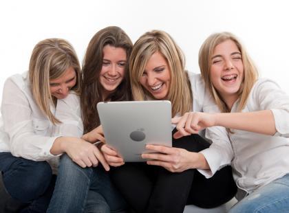 Dlaczego usuwamy członków rodziny z listy znajomych na Facebooku?