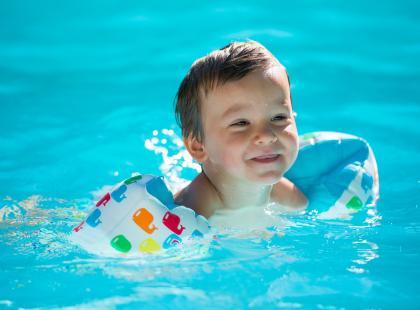Dlaczego warto jak najwcześniej oswoić dziecko z wodą?