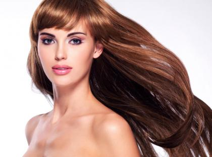 Dlaczego warto olejować włosy latem?