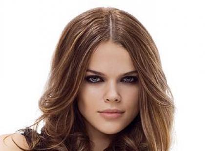 Długie włosy - trendy 2012