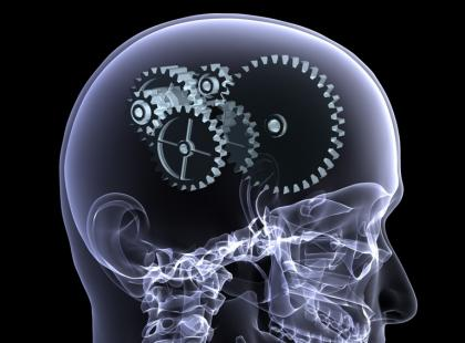 Do czego może prowadzić uraz głowy?