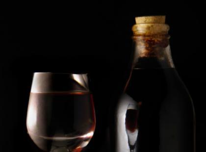 Do czego podaje się czerwone wino?
