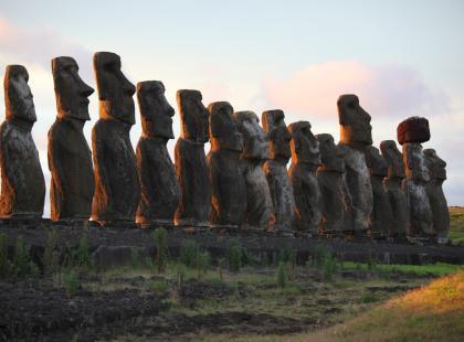 Do dziś nie wiadomo, kto i dlaczego je stworzył. Tajemnice kamiennych posągów na Wyspie Wielkanocnej zdradza Beata Pawlikowska!
