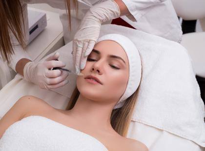 Dobre samopoczucie kobiety, czyli jak medycyna estetyczna na nas wpływa?
