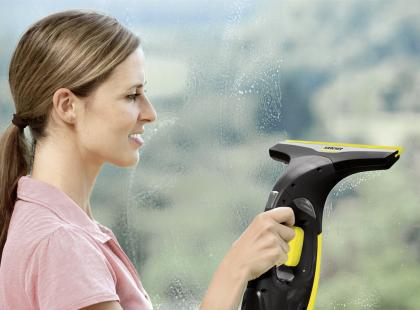 Doceń Karchera do mycia okien! Żadna ścierka nie wypoleruje szyb tak, jak ta myjka