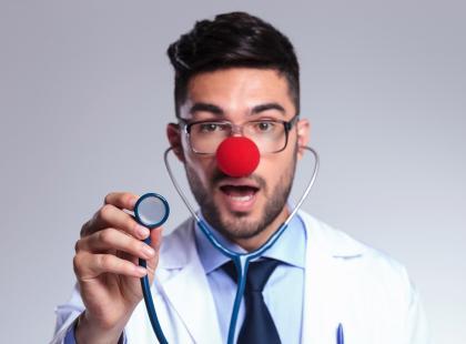 Doktor klaun – w szpitalu i obozie uchodźców