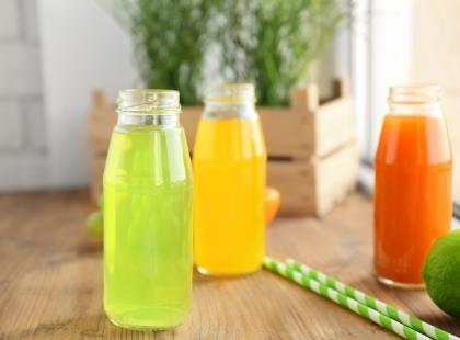 Domowe napoje nawadniające pomogą ci przy grypie żołądkowej. Te 4 są w dodatku smaczne...