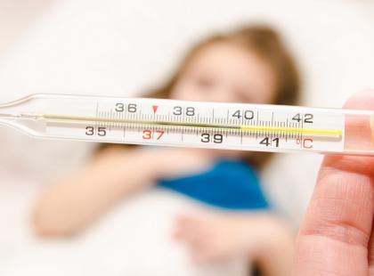 Domowe sposoby na 4 objawy przeziębienia u dziecka