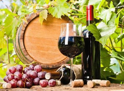 Domowe wino z ciemnych winogron