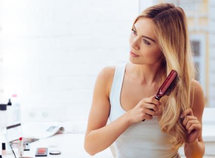 Domowe zabiegi na włosy. 4 efekty, jakie osiągniesz bez kuracji u fryzjera