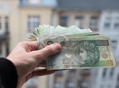 Dostali pieniądze z 500+, teraz muszą je oddać… Wiele polskich rodzin ma poważne problemy. Które i dlaczego?