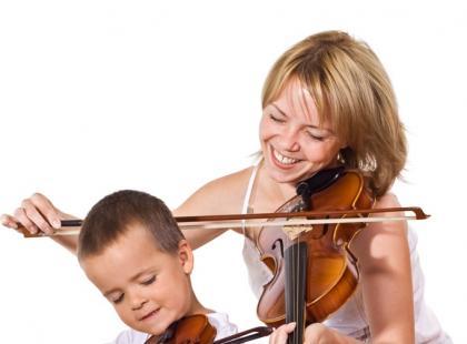 Dzięki tym ćwiczeniom dziecko poprawi spostrzegawczość słuchową /fot. Fotolia