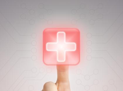 Dotykowy ekran kardiomonitora – standard czy branżowa rewolucja?