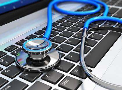 """Dr Google – nierzetelny """"lekarz pierwszego kontaktu"""""""