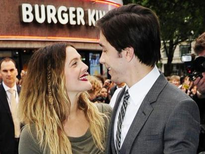 "Drew Barrymore i Justin Long na premierze ""Going the Distance"""