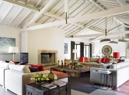 Drewno i kamień - jesienny klimat w domu