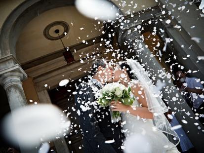 Duchowni chcą zakazać grania najpopularniejszej ślubnej piosenki w kościele