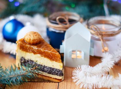 Dwa pyszne ciasta w jednym! Sprawdź, jak zrobić doskonały seromakowiec!