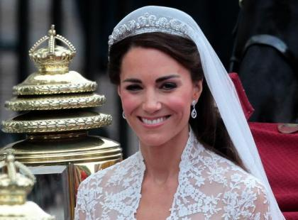 Dwór królewski oburzony! Księżna Kate uznana za szcztuczną lalkę