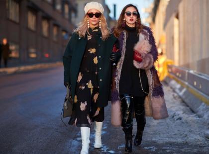 Dzianinowe sukienki są idealne na chłodniejsze pory roku! Jak je nosić?