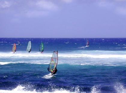 Dzieci i windsurfing: jak, gdzie i kiedy?