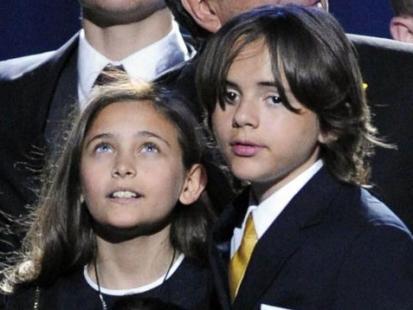 Dzieci Michaela Jacksona pójdą do szkoły