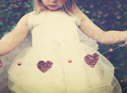 Dziecięca sesja zainspirowana Walentynkami