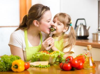 Dziecko nie chce jeść warzyw - jak je do tego przekonać?