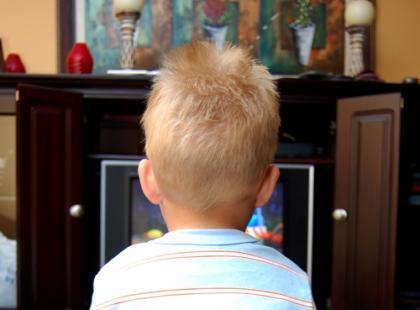 Dziecko uzależnione od telewizji – co robić?