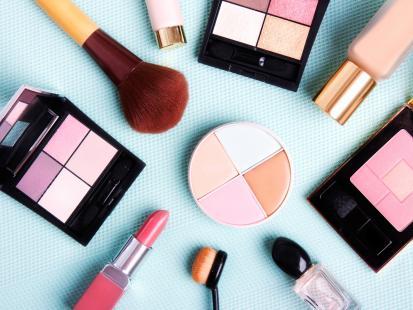Dziś rusza promocja w Hebe, na którą wszyscy czekali! Kosmetyki do makijażu kupisz za pół ceny