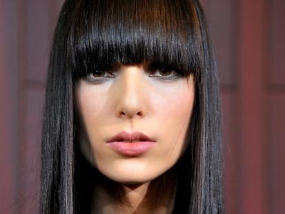 Ekspert radzi jak prostować włosy [video]
