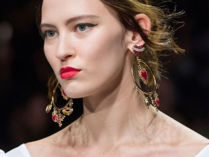 Elegancka i romantyczna - biżuteria na walentynki musi błyszczeć!