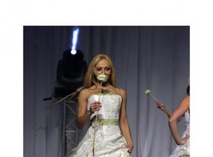 Emmi Mariage - kolekcja sukien ślubnych 2007