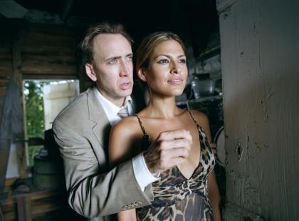 "Ewa Mendes i Nicolas Cage w filmie ""Zły porucznik"""