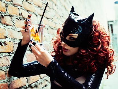 Ewa Minge jako Kobieta Kot