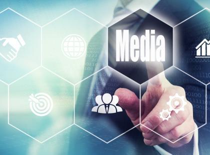 Fake news, czyli medialna propaganda, którą jesteśmy karmieni na co dzień. Komu zależy na dezinformacji?
