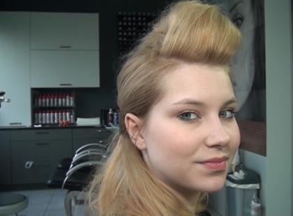 Fantazyjna fryzura na sylwestra