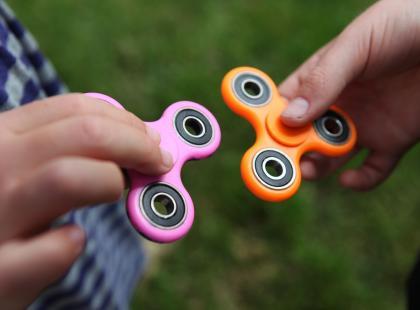 Fidget spinner, czyli szatańska zabawka dla dzieci. Tak mówią katolickie media