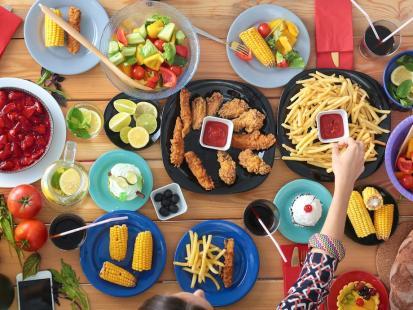 Filip Chajzer: Święta, święta i po świętach. Felieton nie tylko o jedzeniu