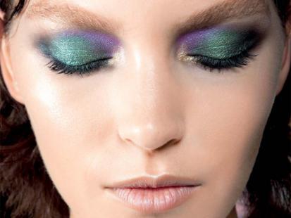 Fioletowo-zielony makijaż oczu